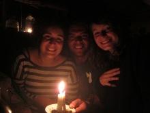 La turca, el uruguayo y la francesa